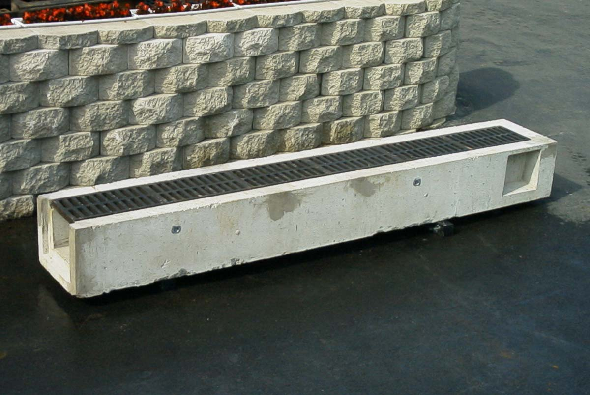 TRENCH DRAIN FRAMES & GRATES